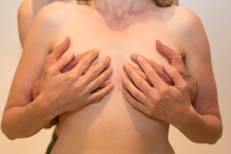 brüste massieren