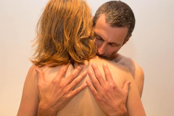 Im Sexological Bodywork spielt aufrichtige Berührung eine große Rolle. Sowohl Kuschelpartys als auch Shiatsu als auch Sessions in Sexological Bodywork vermitteln Wohlbefinden, Authentizität & ein Gefühl von richtig - sein.